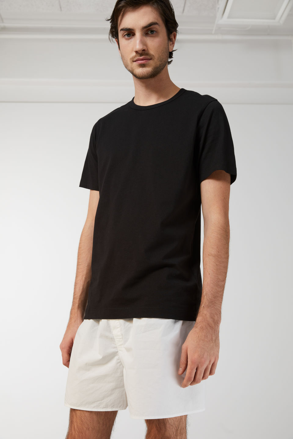Model front image of Arket 150 gsm pima cotton t-shirt in black