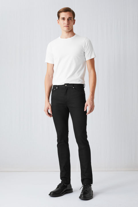Slim No-Fade Black Jeans