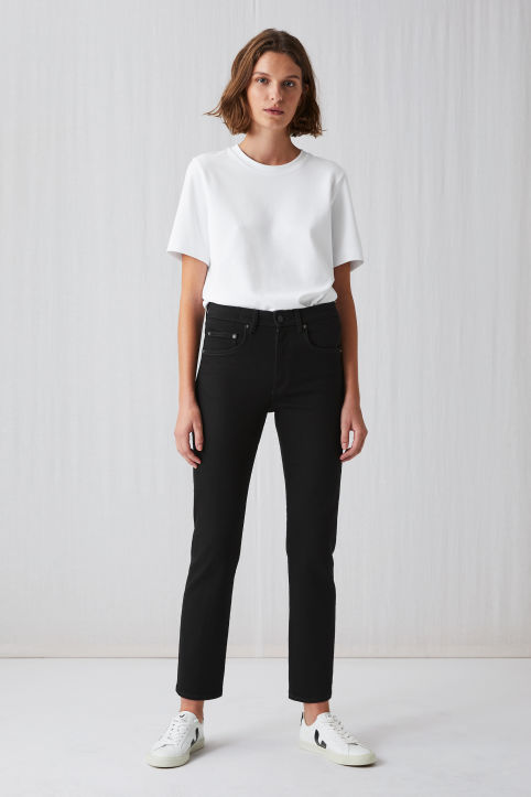 Cropped Rinsed Black Jeans