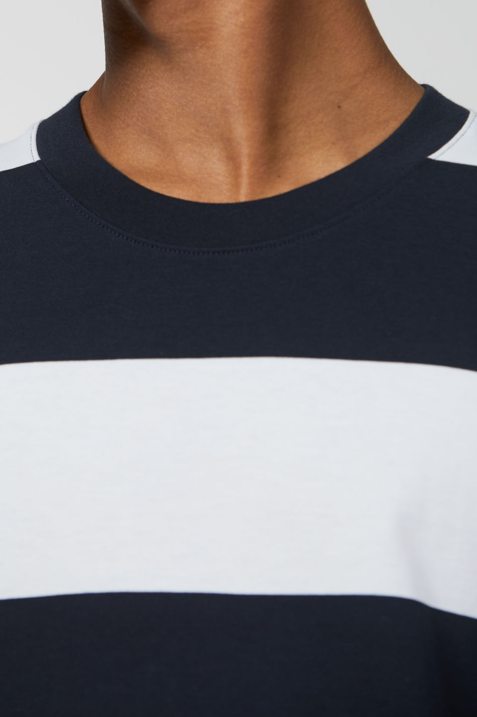 Model side image of Arket block stripe cotton t-shirt in blue