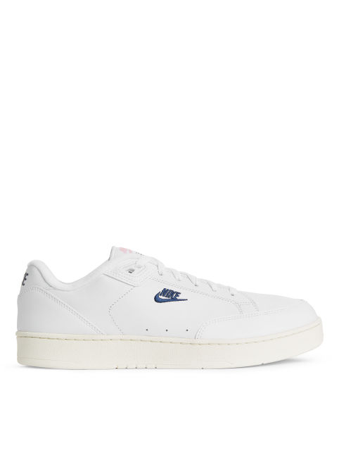 Front image of Arket nike grandstand premium ii in white
