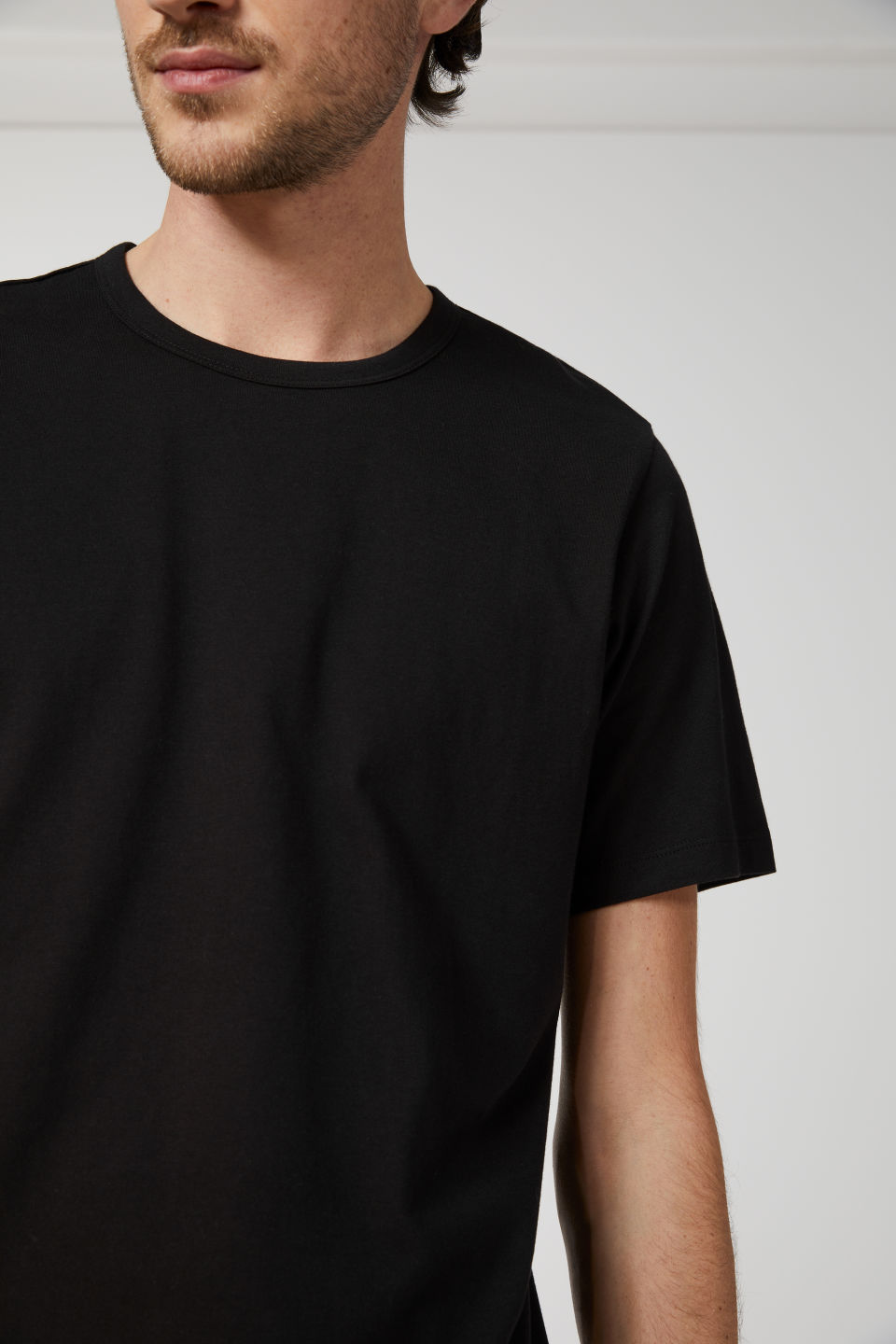 Detailed image of Arket 150 gsm pima cotton t-shirt in black