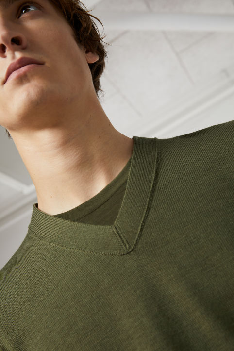Organic Wool V-Neck Jumper