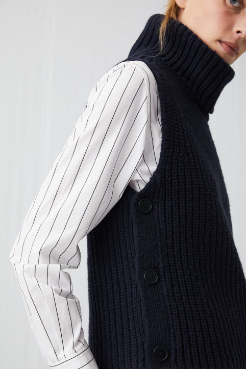 Wool Buttoned Vest