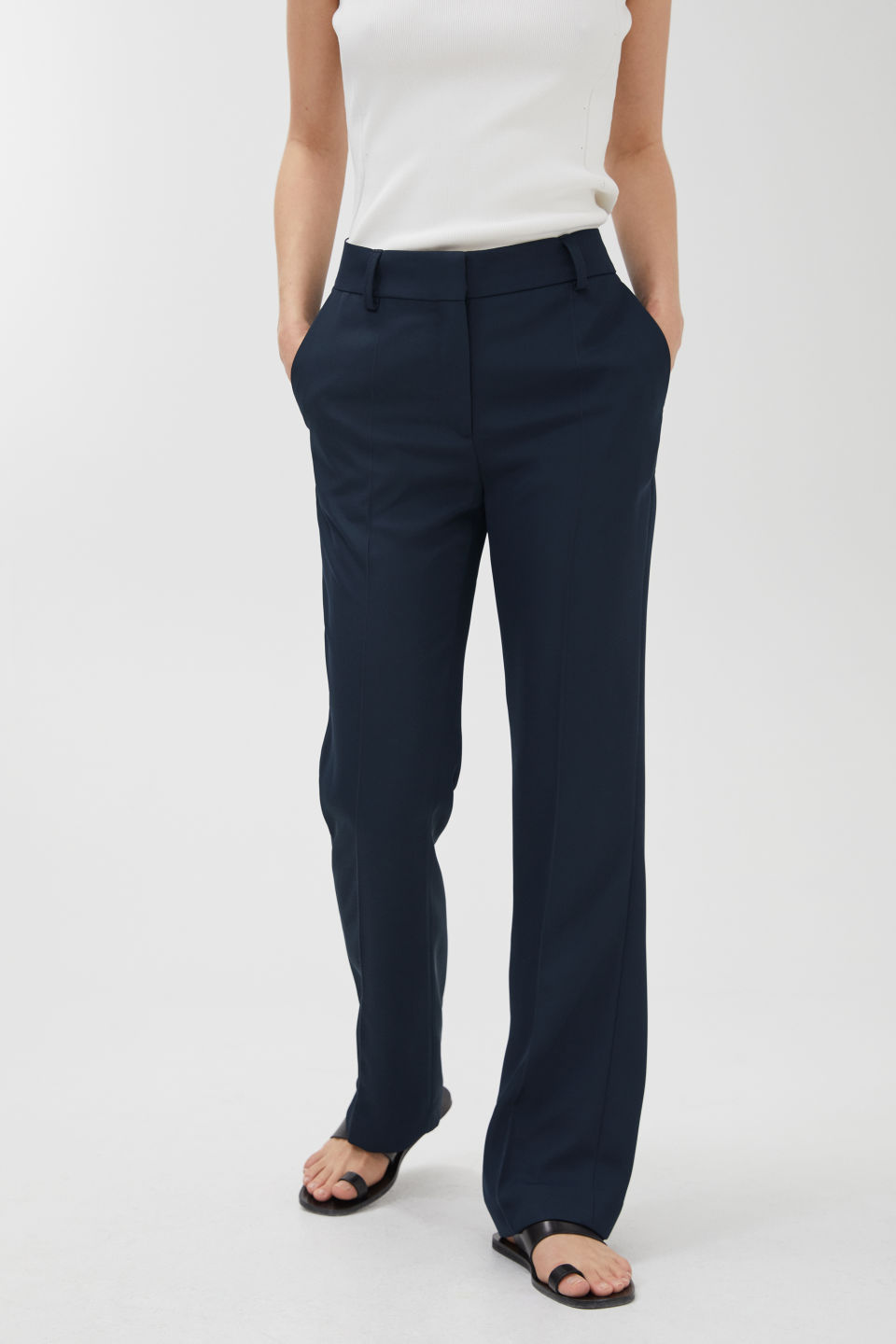 Detailed image of Arket no img-fluid twill trousers in blue